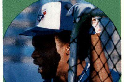 1989 Baseball Cards Magazine Tony Fernandez Waits in the Shadows